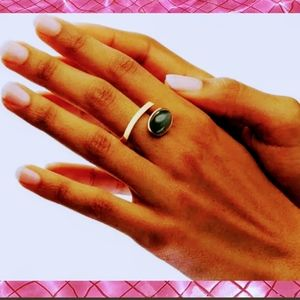🎂2/$15 Woman's Ring Adjustable